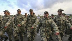 Yeni askerlik sistemi komisyondan geçti
