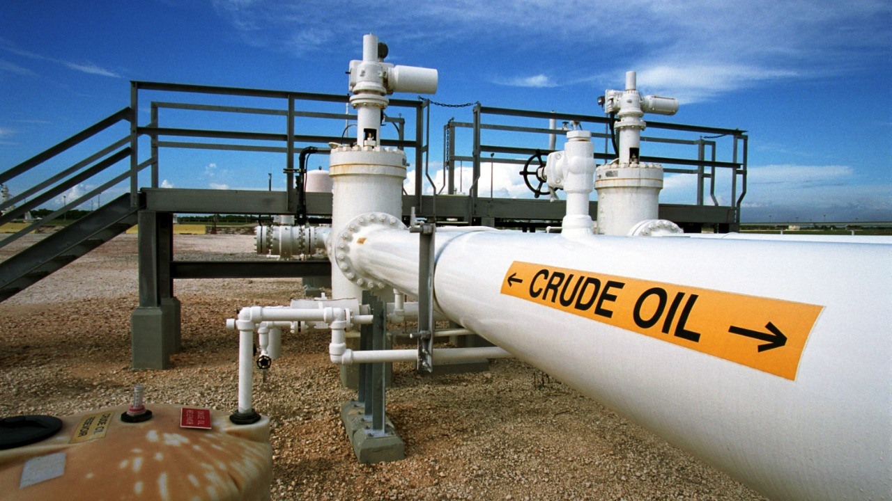 Avrupa'da doğalgaz bir günde %40 yükseldi