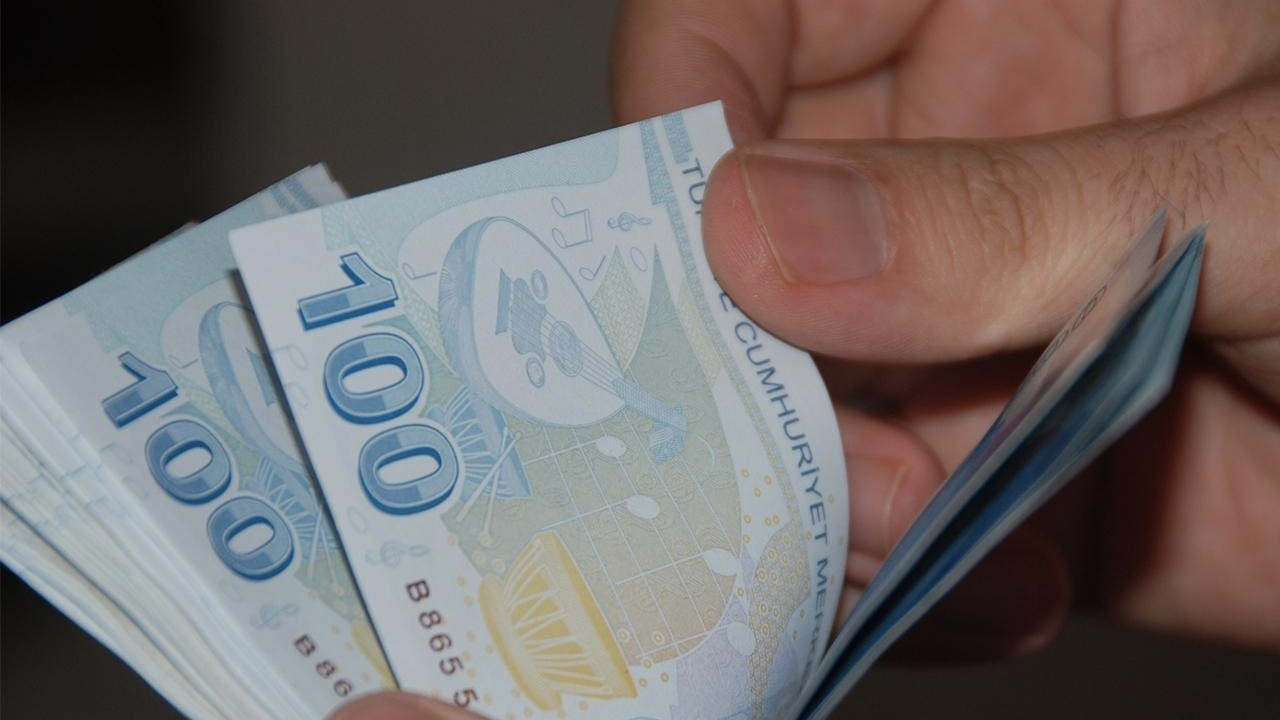 Emeklilerin aylık farkları ödenmeye başlandı