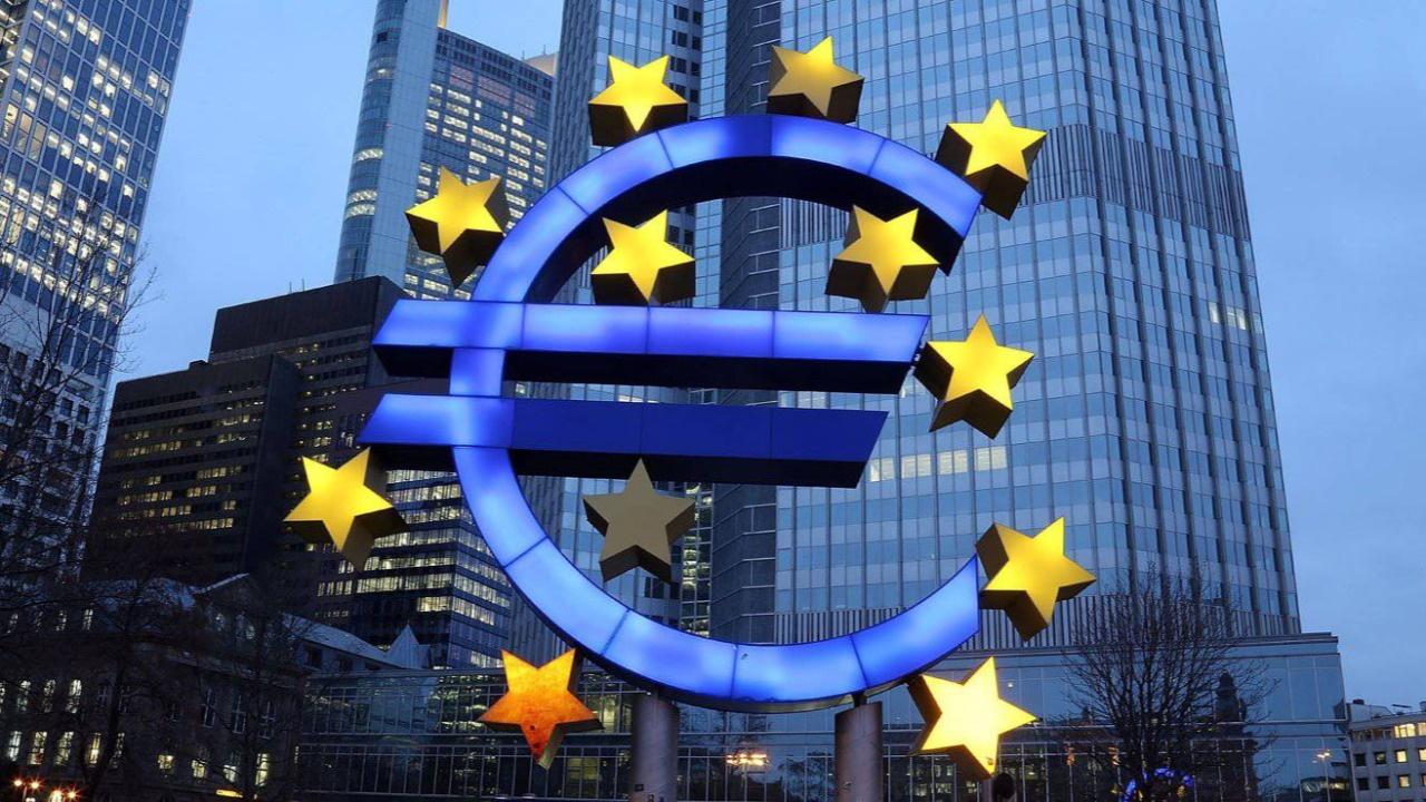 Euro Bölgesi şubattan bu yana ilk kez ticaret fazlasını artırdı