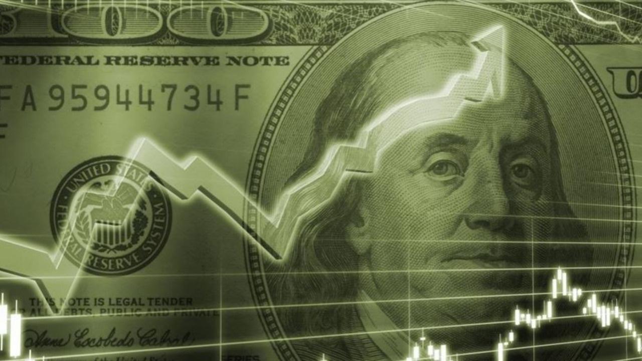 Dolar çeyrek sonu girişleri ve güvenli varlık talebiyle yükseldi