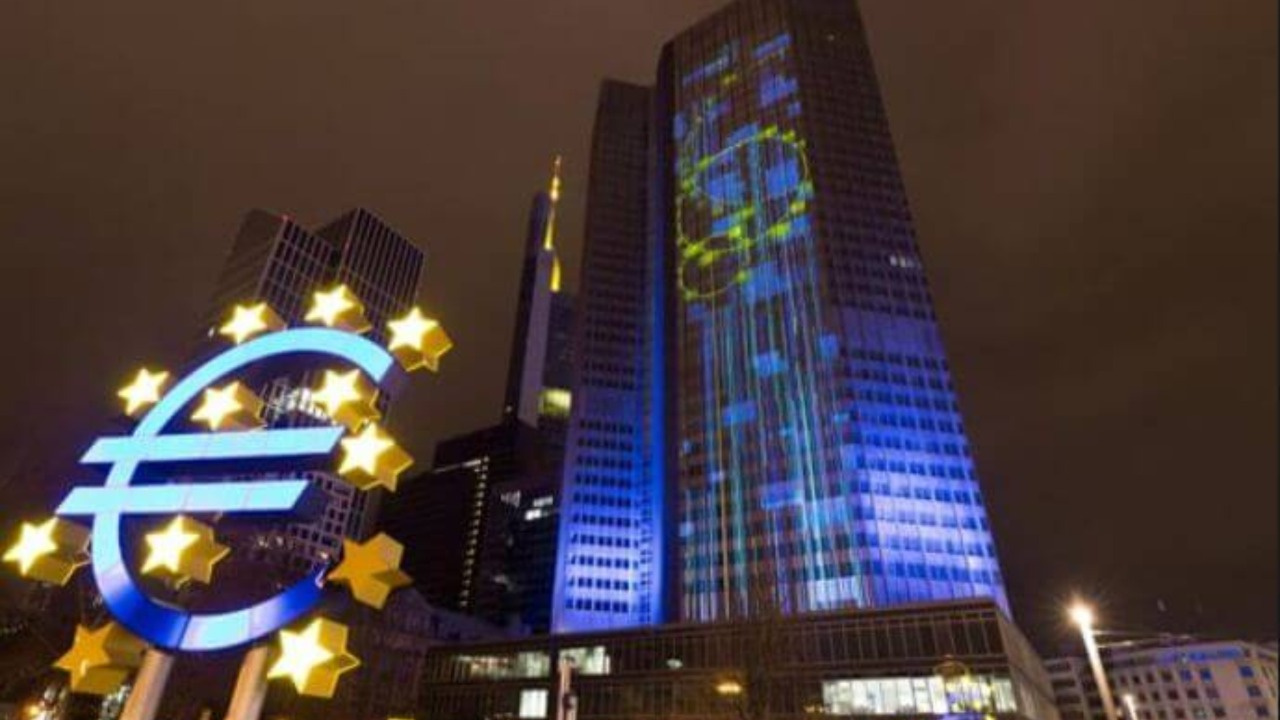 Euro Bölgesi imalat PMI tarihi zirvesinde
