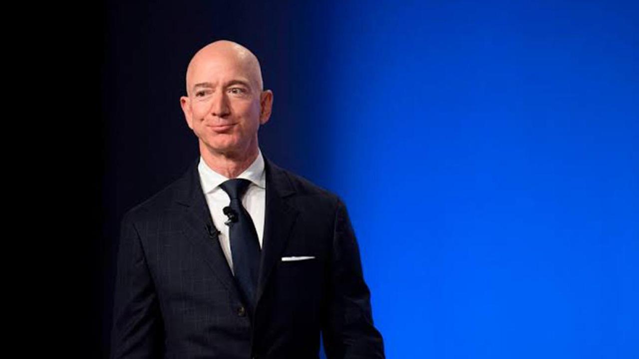 Jeff Bezos, Amazon'daki CEO'luk görevinden ayrılıyor