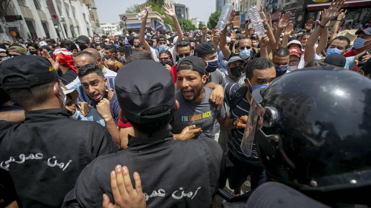 Tunus'ta darbe girişimi