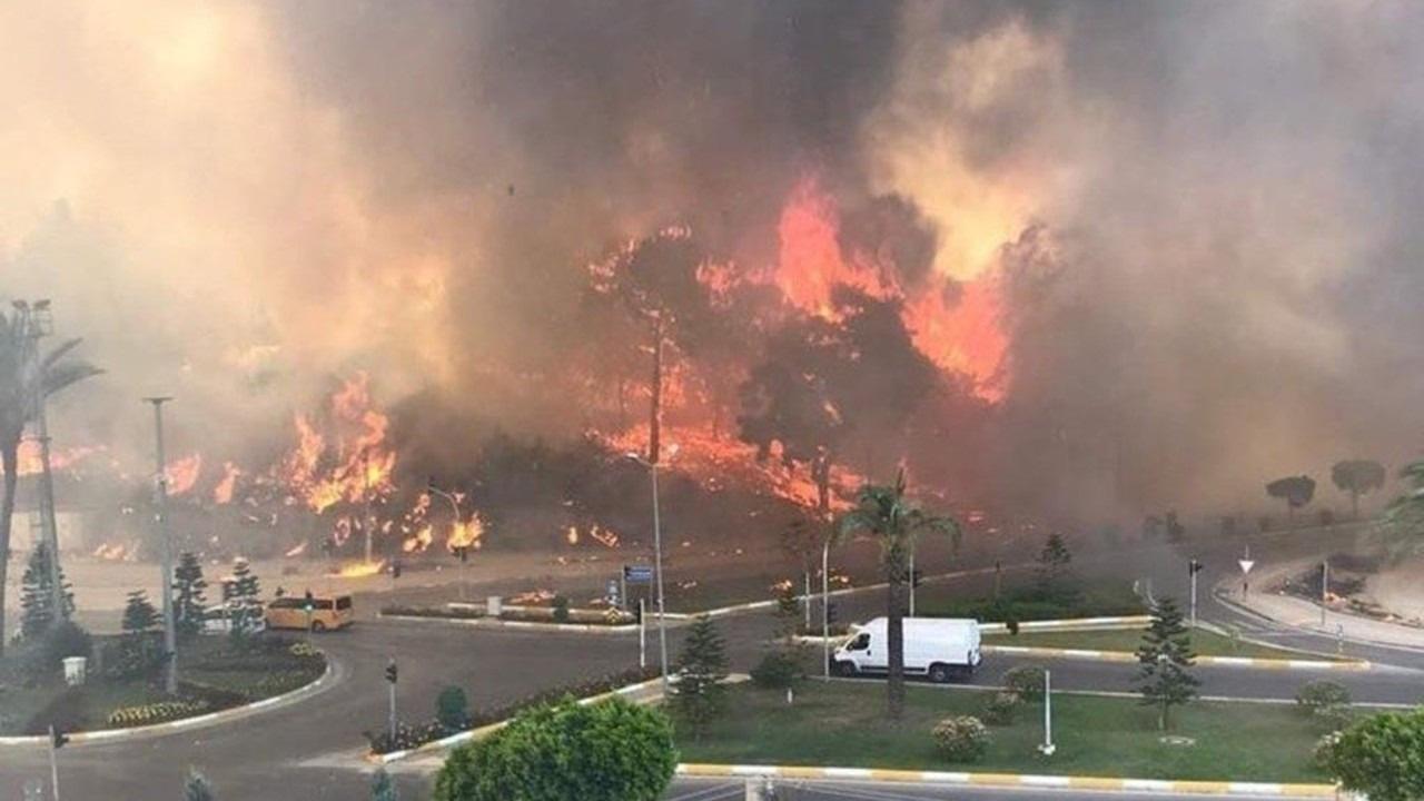 Pakdemirli: Manavgat yangını kontrol altında